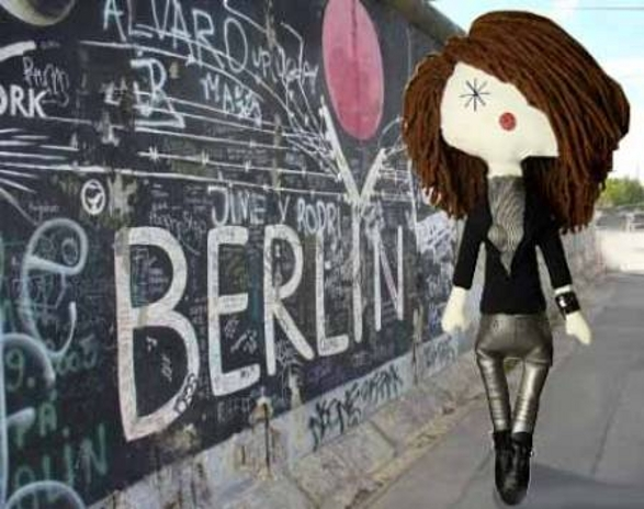 Laloushka doll at the Berlin wall