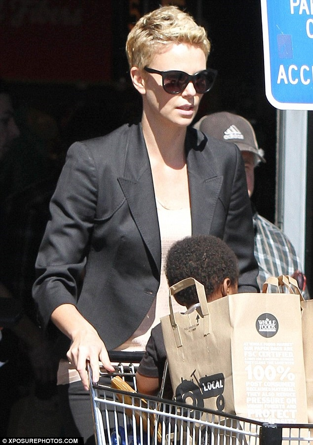 Charlize-theron-whole foods