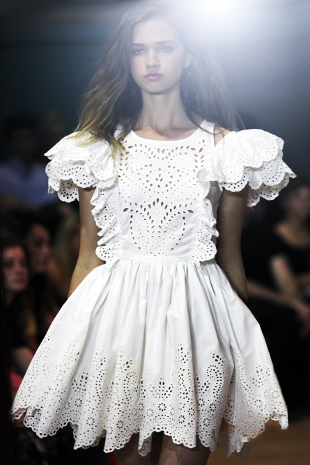 Doily lasercut white dress