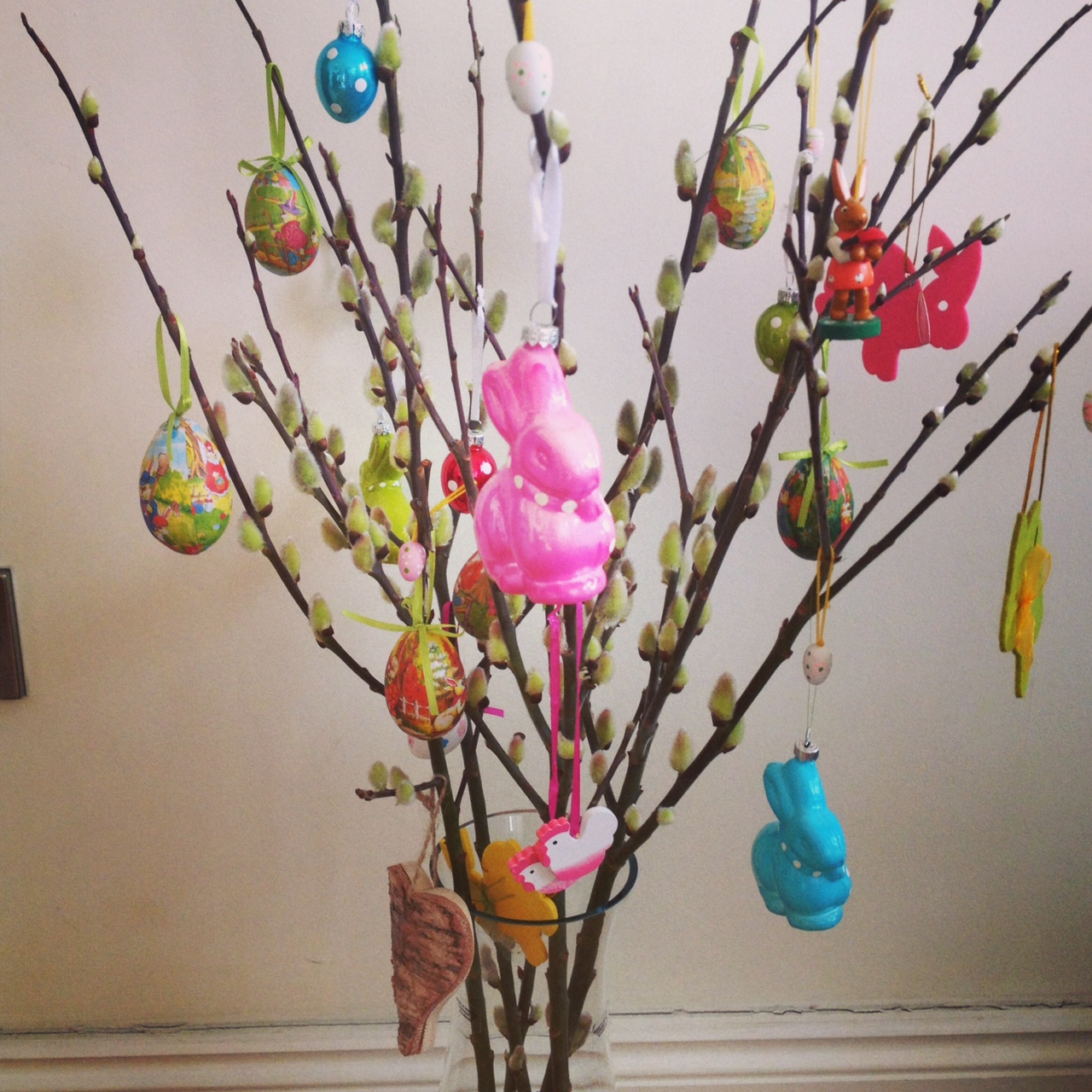 Proudly present my easter tree made of pussy willow and hanging