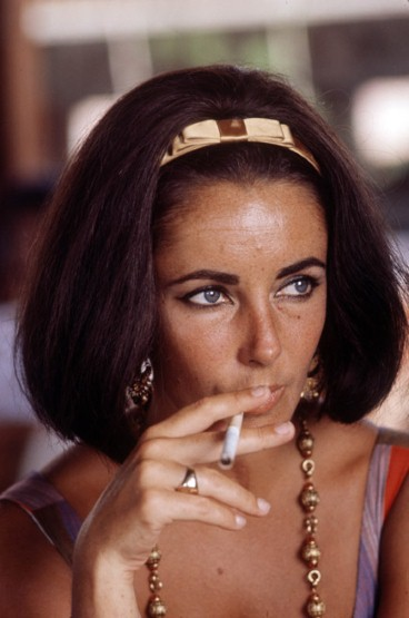 Elizabeth-Taylor-bob-hair-style Romantique and Rebel