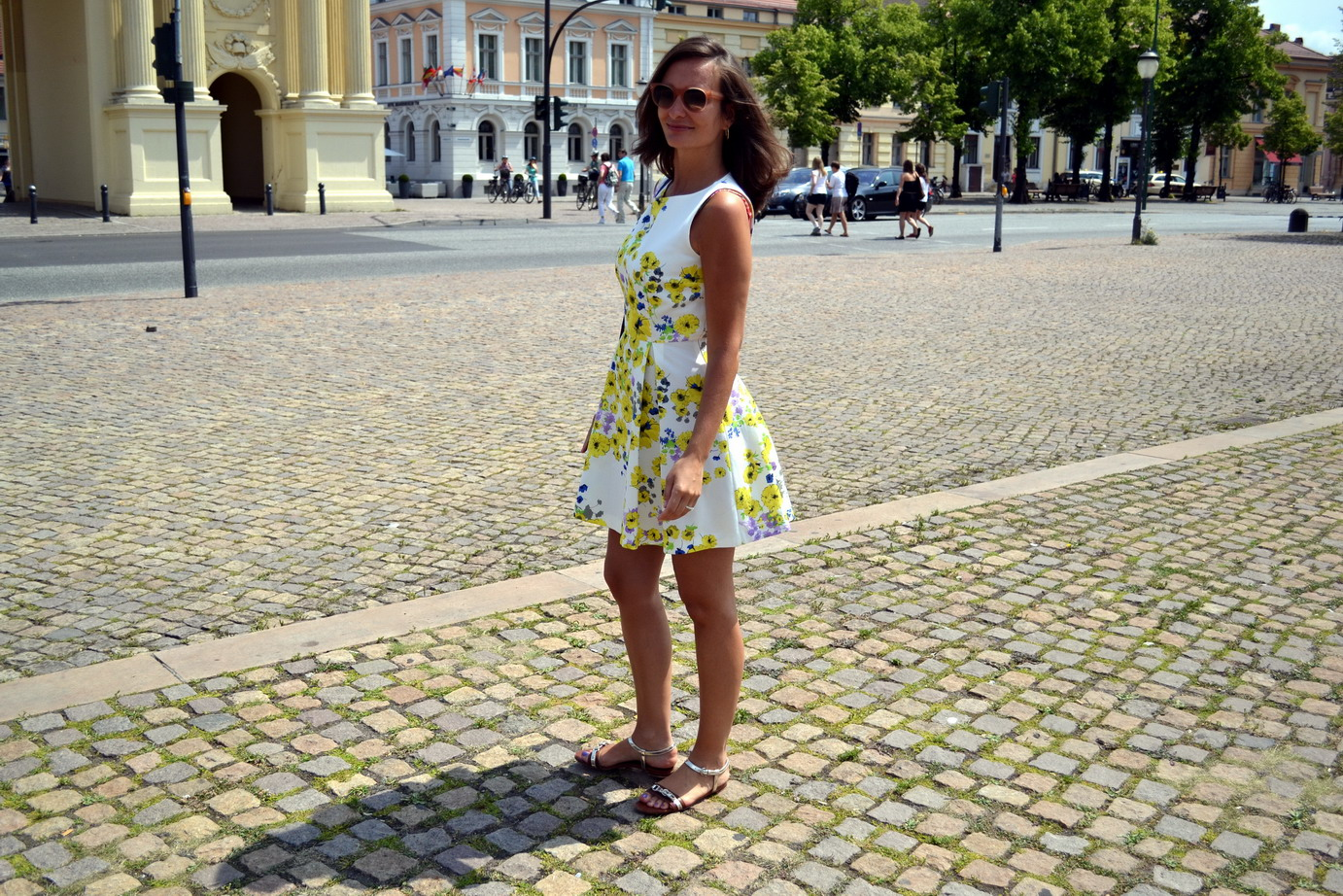 For the lovely summer day in Potsdam I am wearing a yellow floral dress from Max & Co and  sorbet coloured sunglasses from Celine