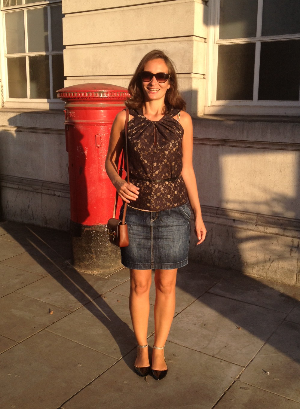 Glamming up my trust Esprit short pencil denim skirt and a lacy top by Max & Co