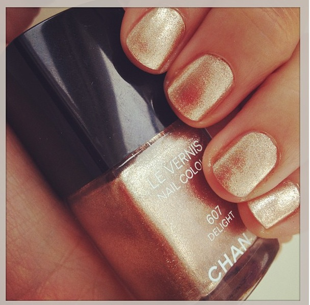 Chanel Gold Nail Varnish Delight