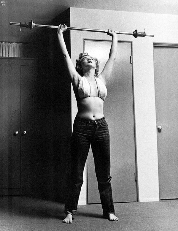 Marilyn-Monoroe-wearing-Levis