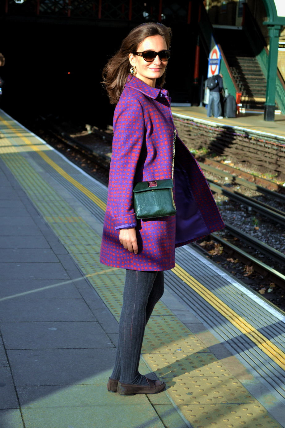 Coat from Max & Co. Grey wool tights from Kunert. Shoes by Attilio Giusti Leombruni.