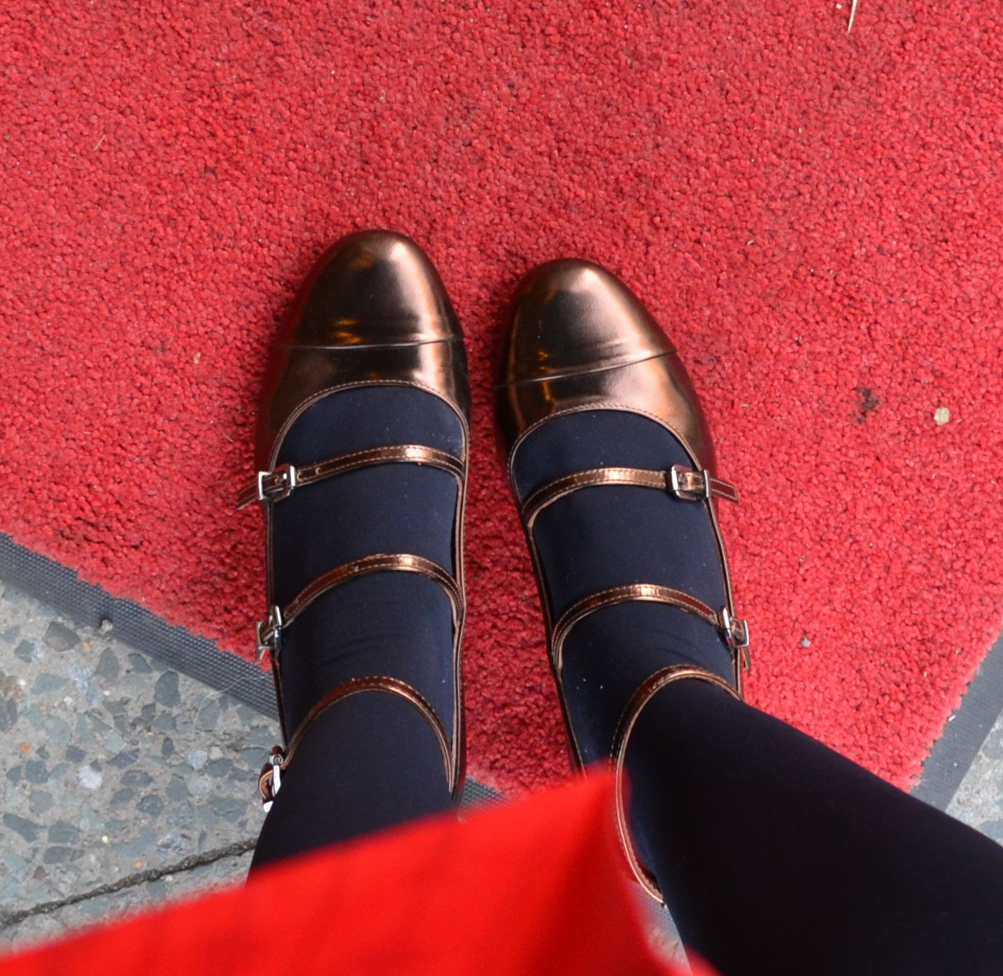 Bronze pumps with midi heel and three straps from Max & Co