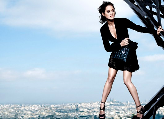 marion-cotillard-on-the-eiffel-tower-for-the-lady-dior-bag-in-2008