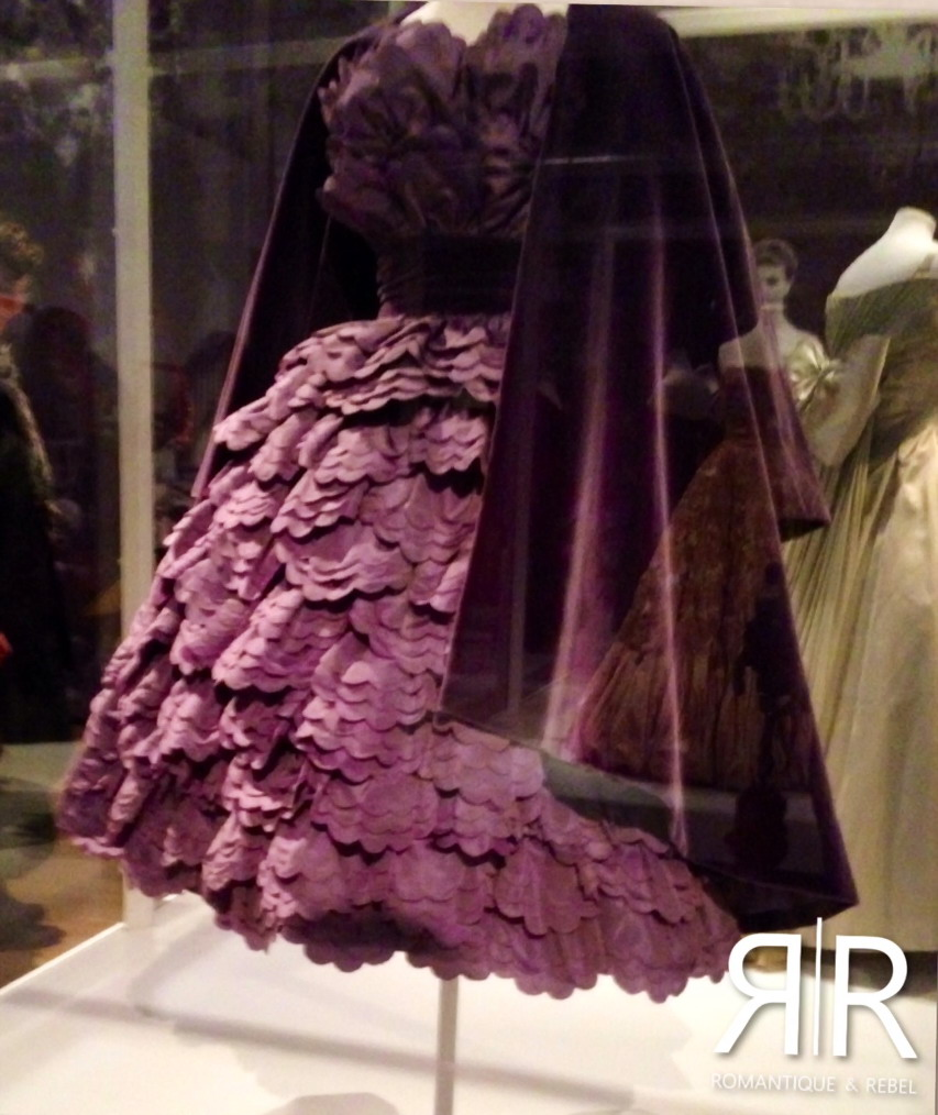 Exhibition VandA Museum London Italian Glamour 1945-2014 Scallop dress capucci