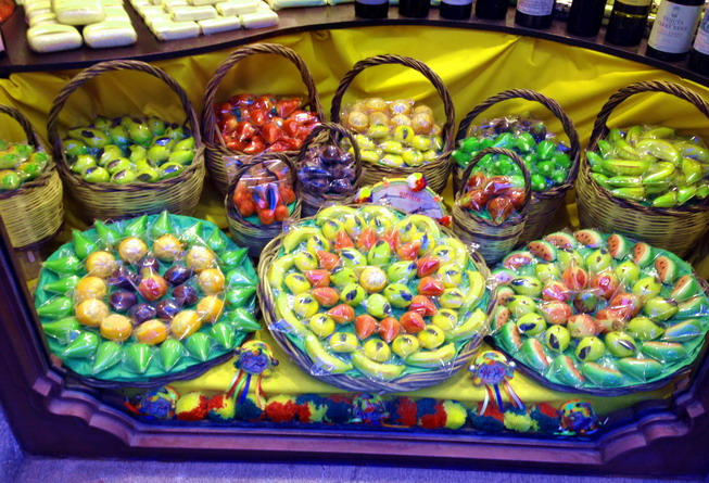 Traditional Sicilian marzipan fruit is made of fresh almonds.