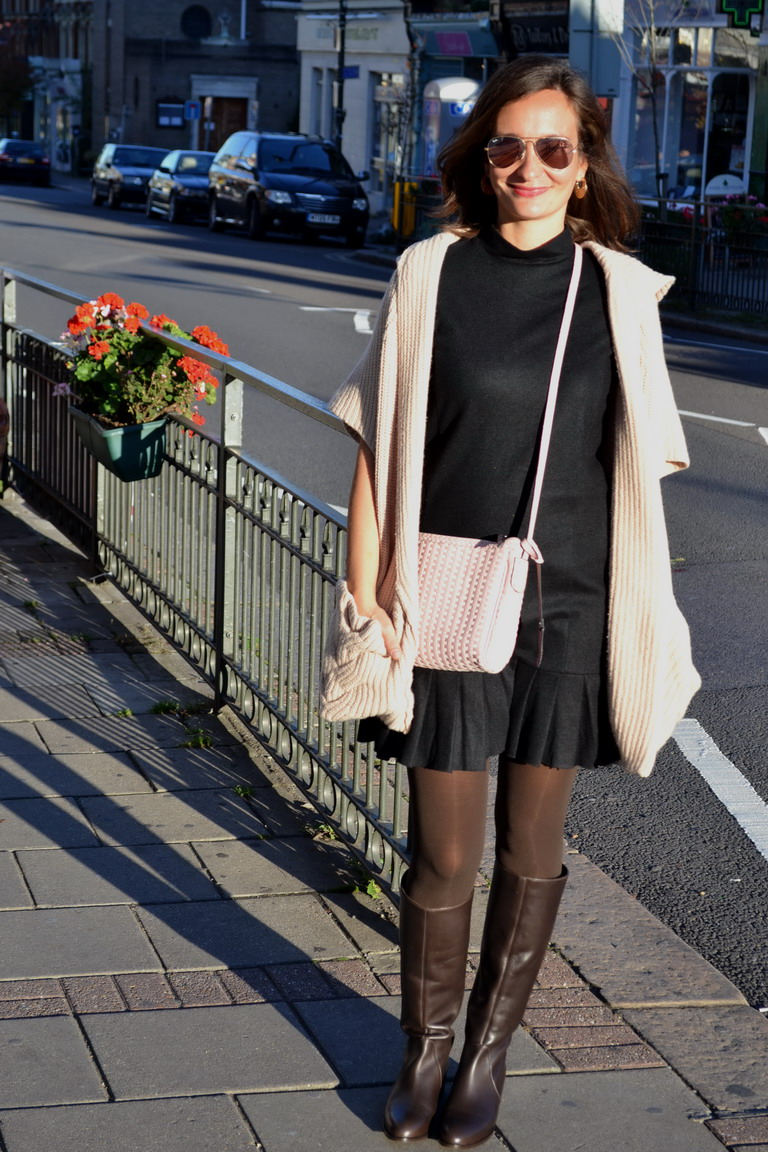 Chunky knits and boots london street style
