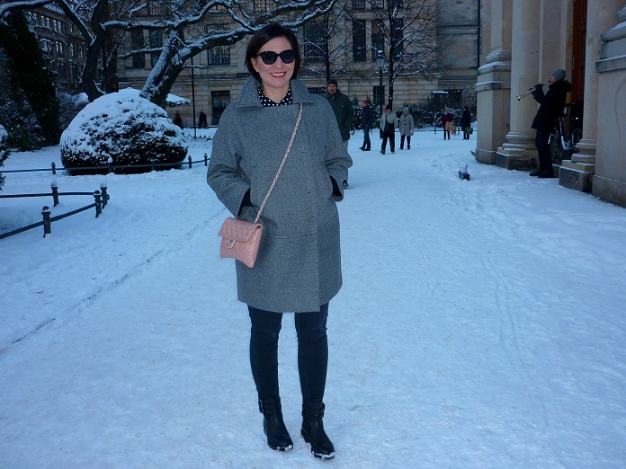 Rebel streetstyle Berlin Max and co eggshape coat jil sander navy ankle boots
