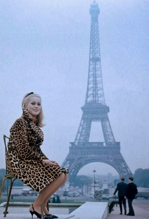Eiffeltower-Catherine-Deneuve