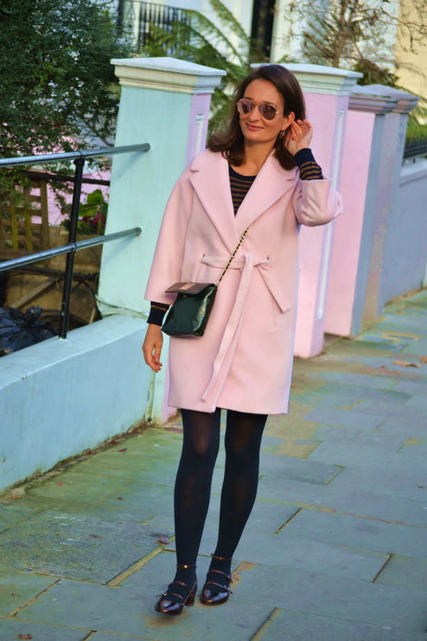 Street style Notting Hill pink coat mary janes
