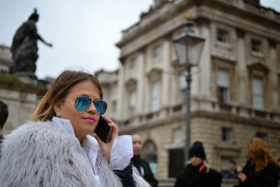 LFW 2015 blue mirrored ray bans and pink lipstick