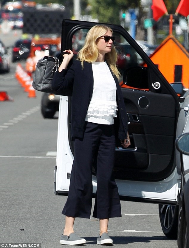 Paltrow black and white street style 2015