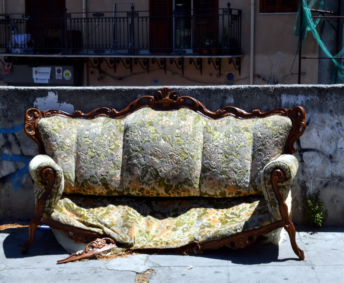 A thrown out sofa in Palermo centro