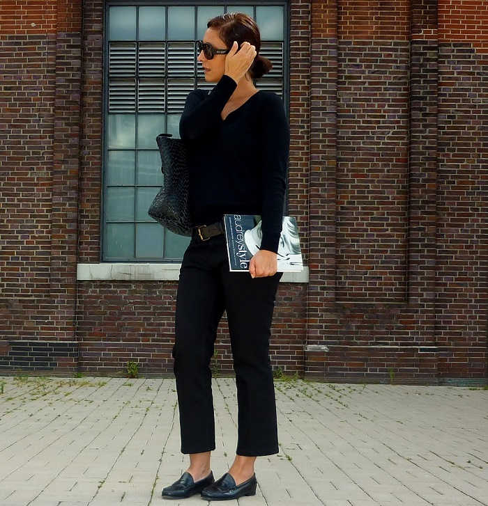 So Audrey! Rebel wearing penny loafers, black skinny jeans and a simple black jumper.