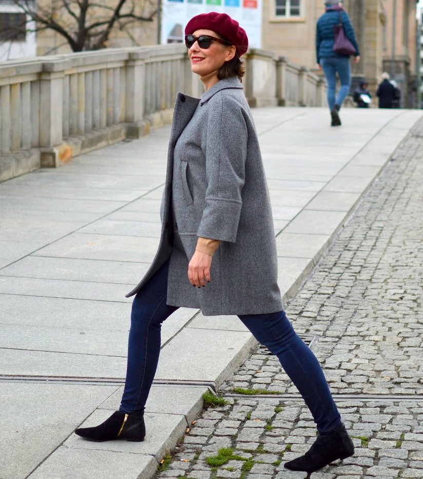 Rebel Stret style Berlin Egg shaped coat beret