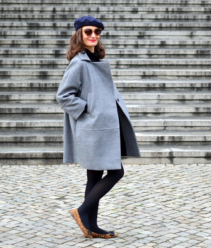Romantique egg shape coat Berlin Street Style