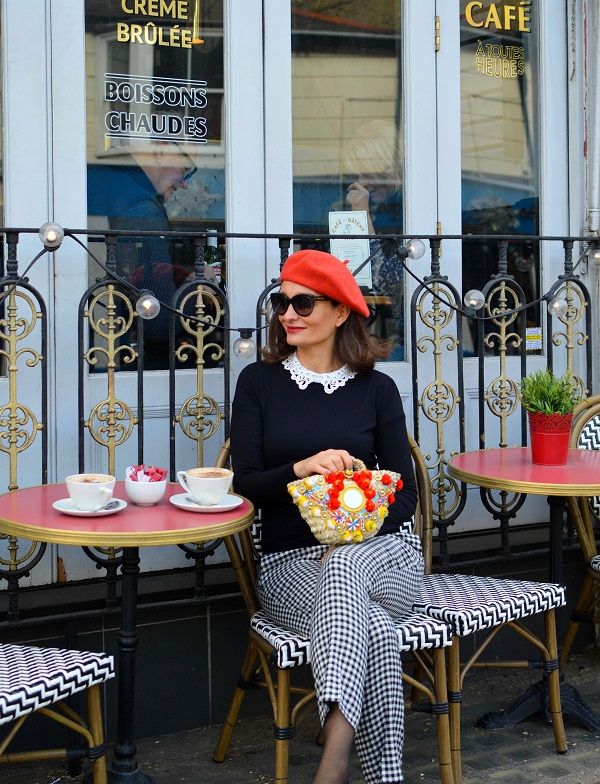London street style paris cafe red beret