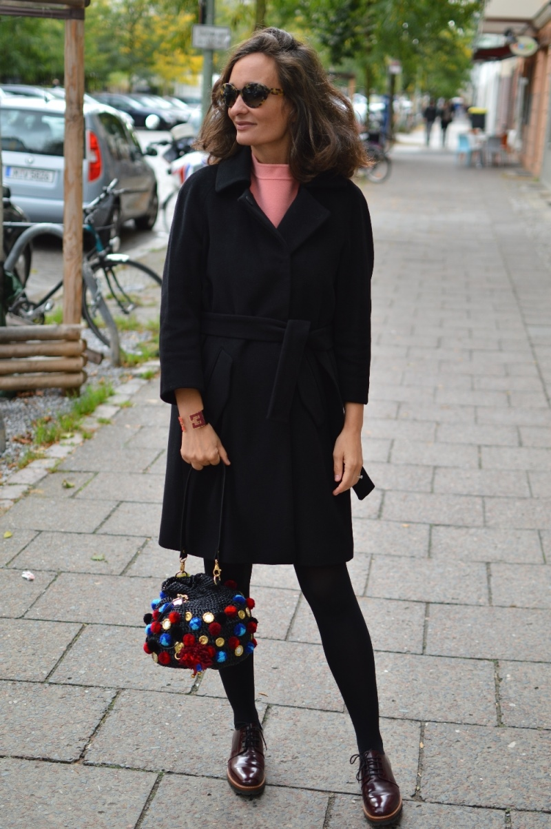 Max and Co black coat Street style Berlin
